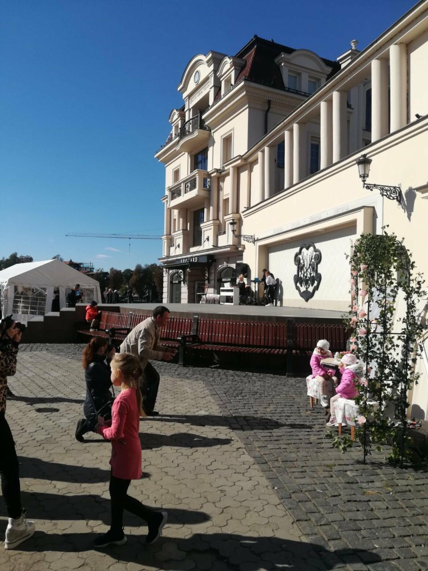 В Ужгороді на Театральній влаштували свято для людей похилого віку (ФОТОРЕПОРТАЖ), фото-40