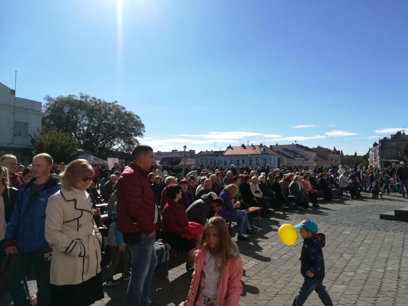 В Ужгороді на Театральній влаштували свято для людей похилого віку (ФОТОРЕПОРТАЖ), фото-30