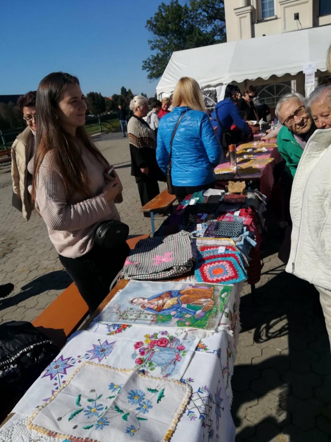 В Ужгороді на Театральній влаштували свято для людей похилого віку (ФОТОРЕПОРТАЖ), фото-36