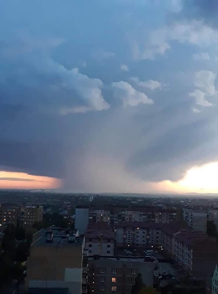 У Словаччині за 5 км від Ужгорода із серйозними наслідками пройшов торнадо (ФОТО, ВІДЕО) , фото-1