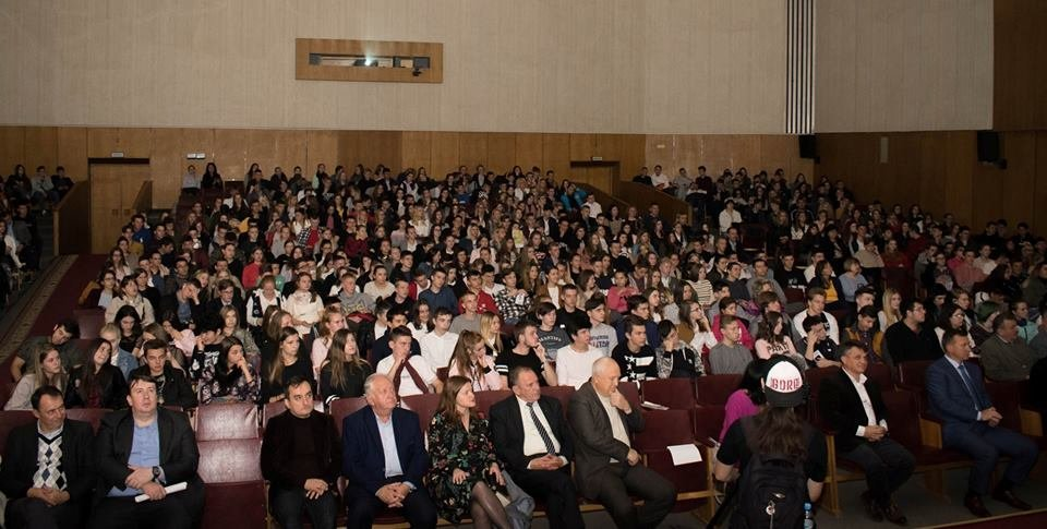 600 майбутніх випускників шкіл завітали на День відкритих дверей до УжНУ (ФОТО), фото-1