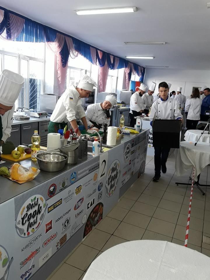 На Міжнародному чемпіонаті «BESTCOOKFEST-2018» ужгородські кулінари вибороли срібло (ФОТО), фото-5