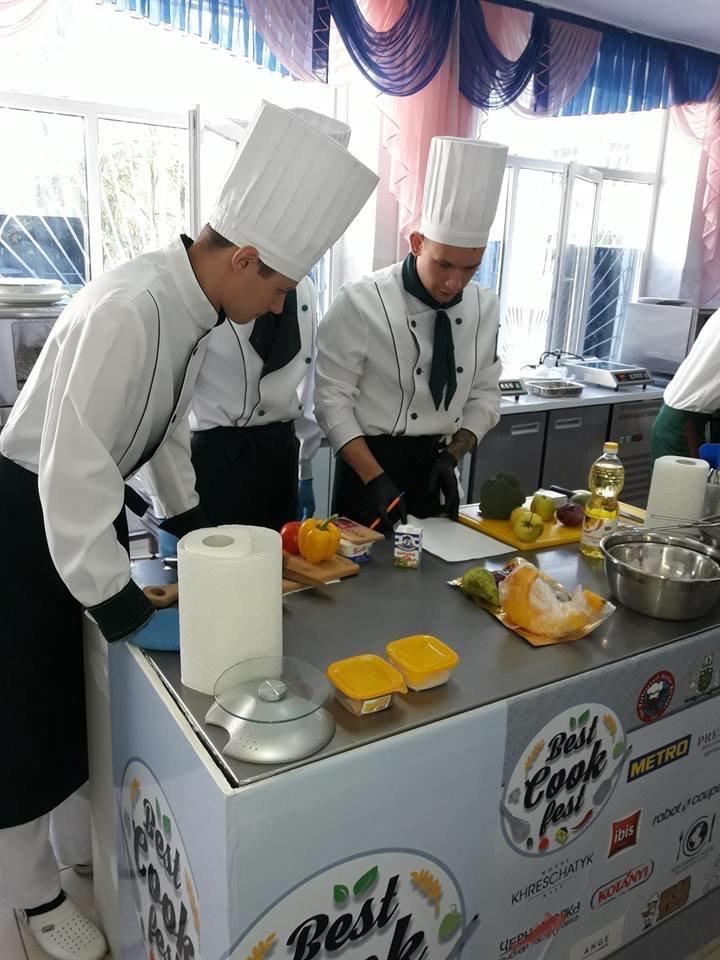 На Міжнародному чемпіонаті «BESTCOOKFEST-2018» ужгородські кулінари вибороли срібло (ФОТО), фото-3