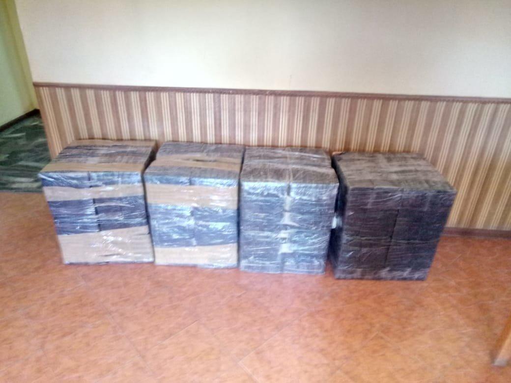 Контрабандисти, тікаючи від прикордонників, залишили вісім ящиків сигарет (ФОТО), фото-3