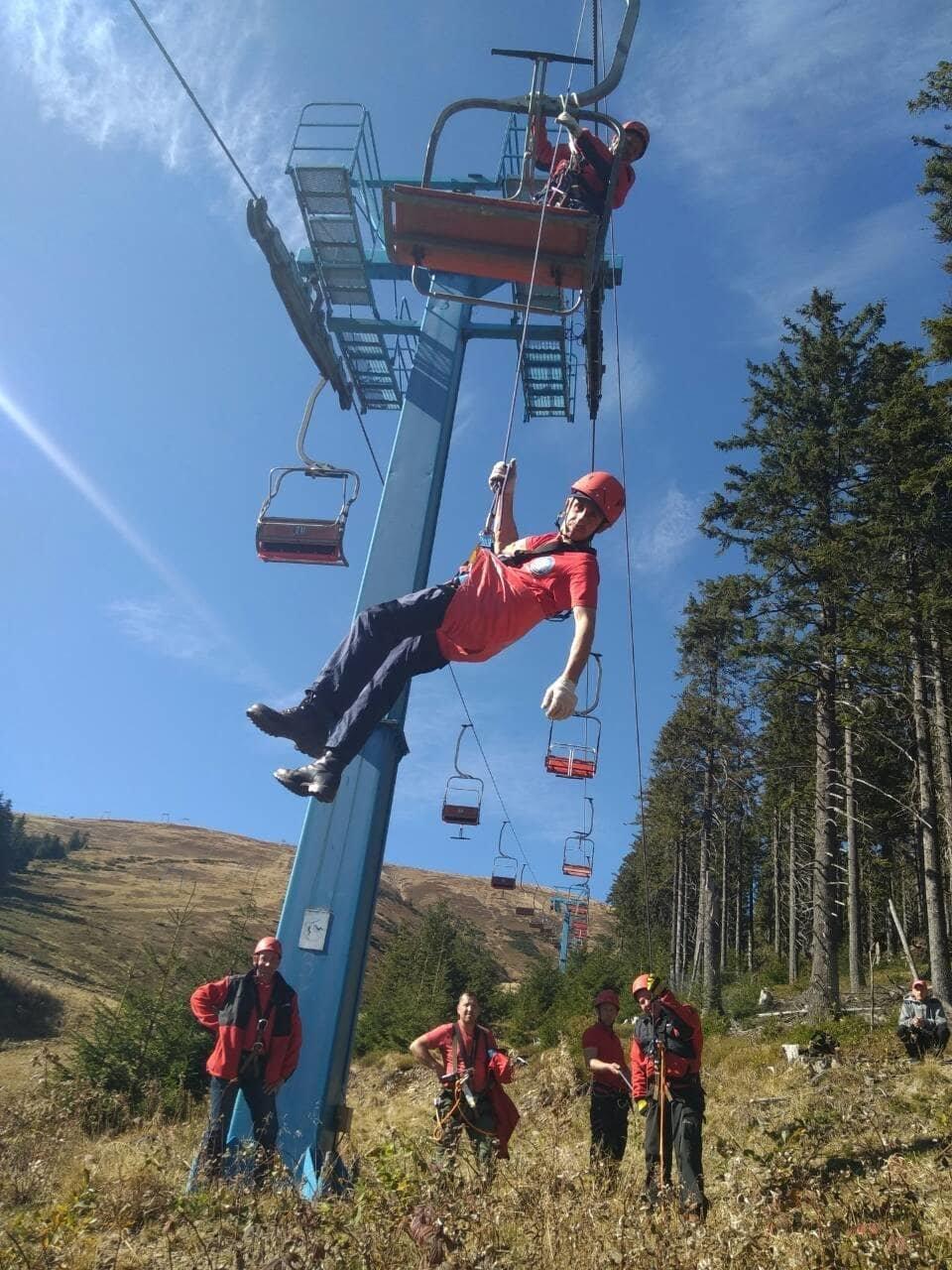 Як закарпатські рятувальники готуються до гірськолижного сезону (ФОТО), фото-3