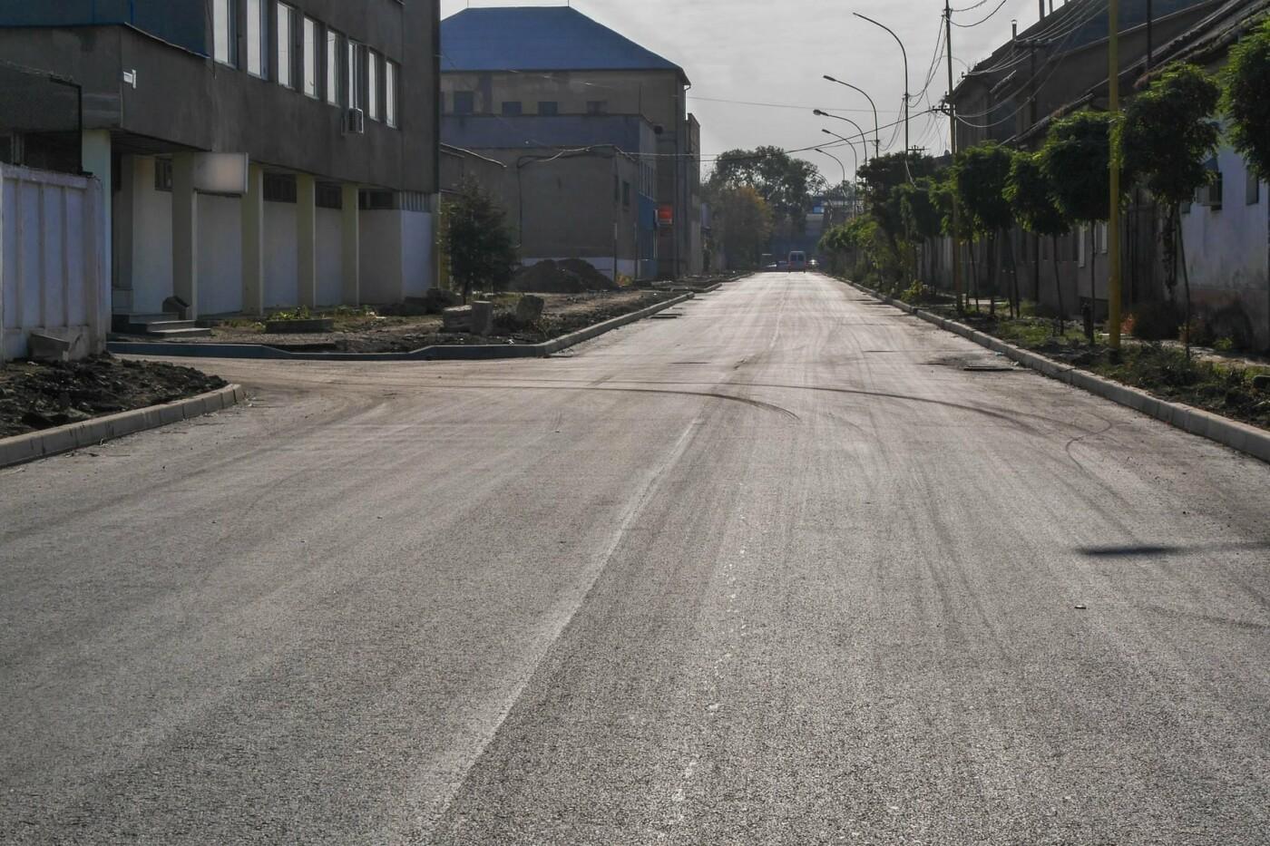 Не минуло й року: в Ужгороді відкрили проїзд вулицею Шумною, фото-3