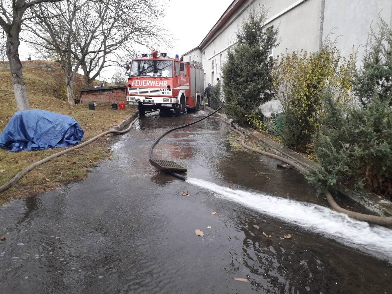 Рятувальники здійснюють підвіз води для потреб ужгородців (ФОТО), фото-2
