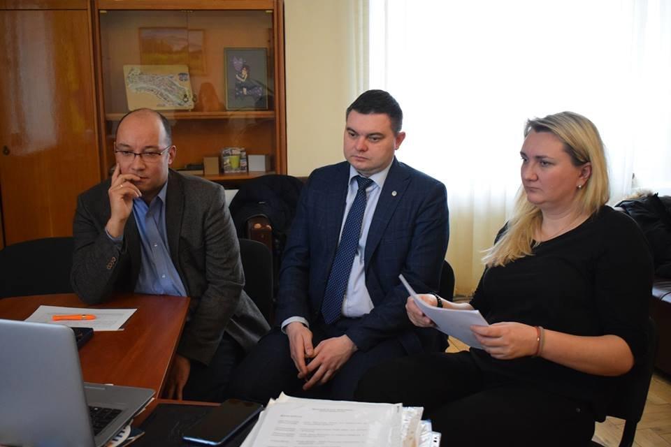 В Ужгороді відбулося фінальне обговорення заявок на проекти муніципального спрямування (ФОТО), фото-1