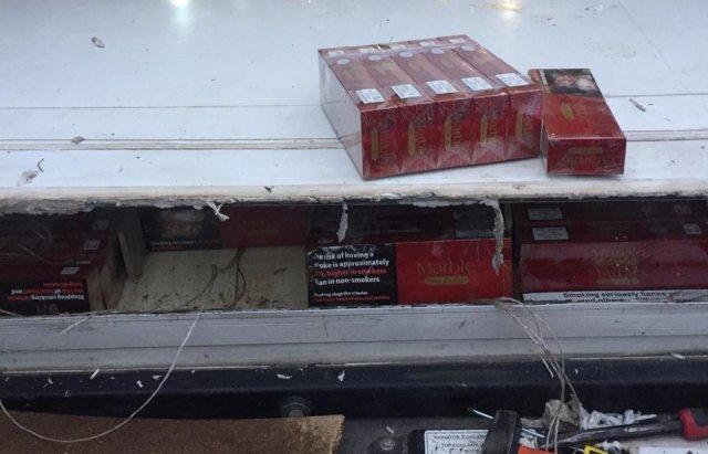 На Закарпатті затримали 43-річного чоловіка, який намагався перевезти до Румунії понад 20 тисяч пачок цигарок (ФОТО), фото-3