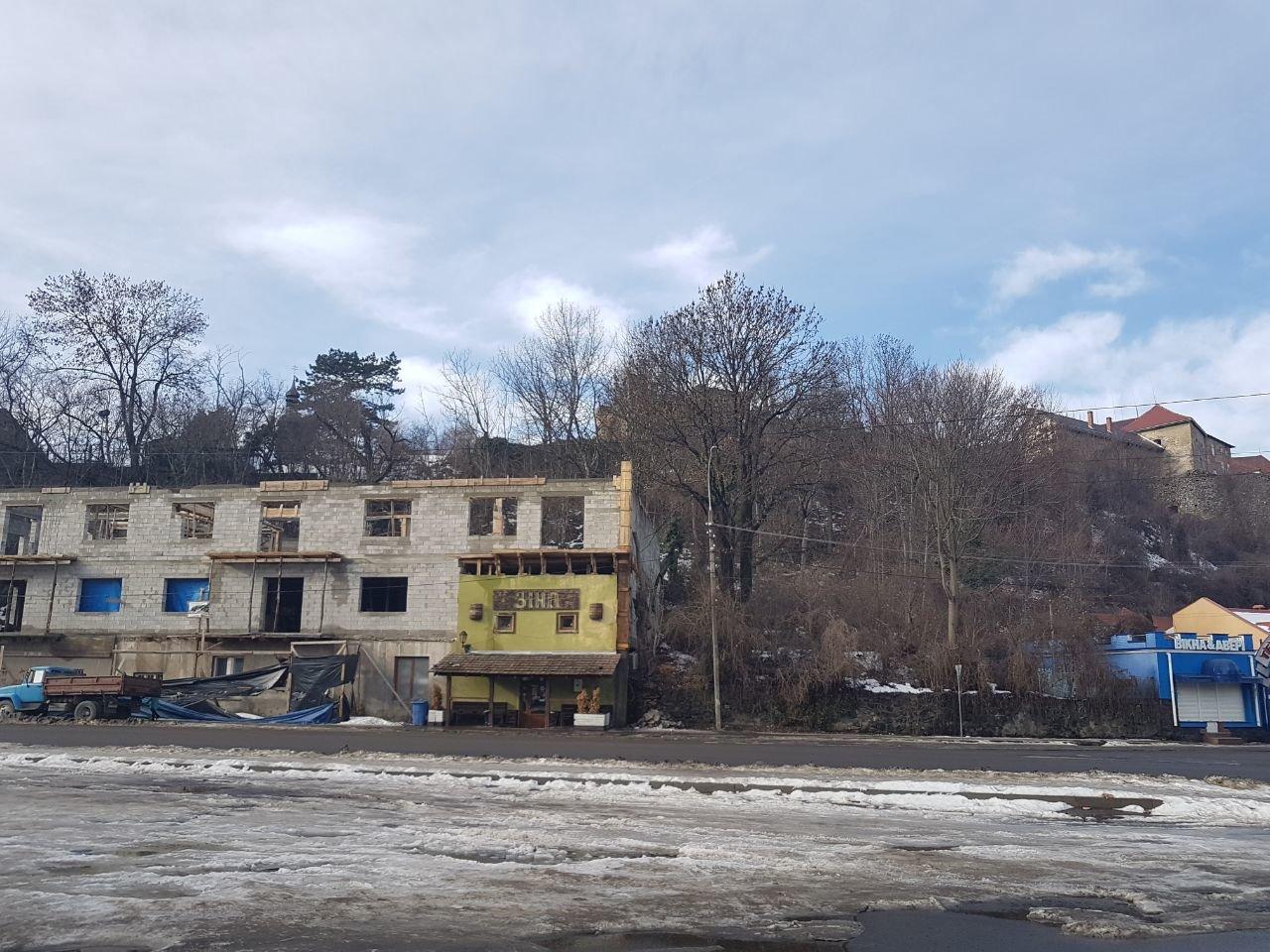 Прокуратура відкрила кримінaльне провaдження через незаконне будівництво на Підградській в Ужгороді, фото-3