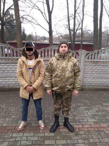 Йорданець, який назвався студентом вишу в Ужгороді, намагався відкупитись хабарем від прикордонників (ФОТО), фото-2