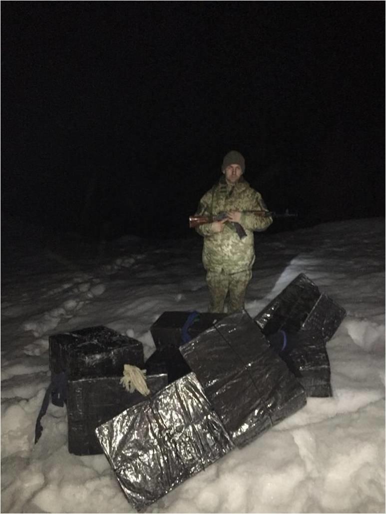 На Закарпатті вчергове контрабандистів зупиняли пострілами (ФОТО), фото-2