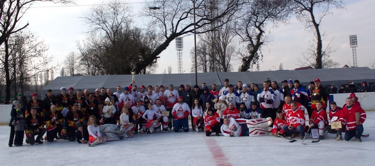 Команда з Ужгорода виборола звання чемпіонів області з хокею (ФОТО), фото-1