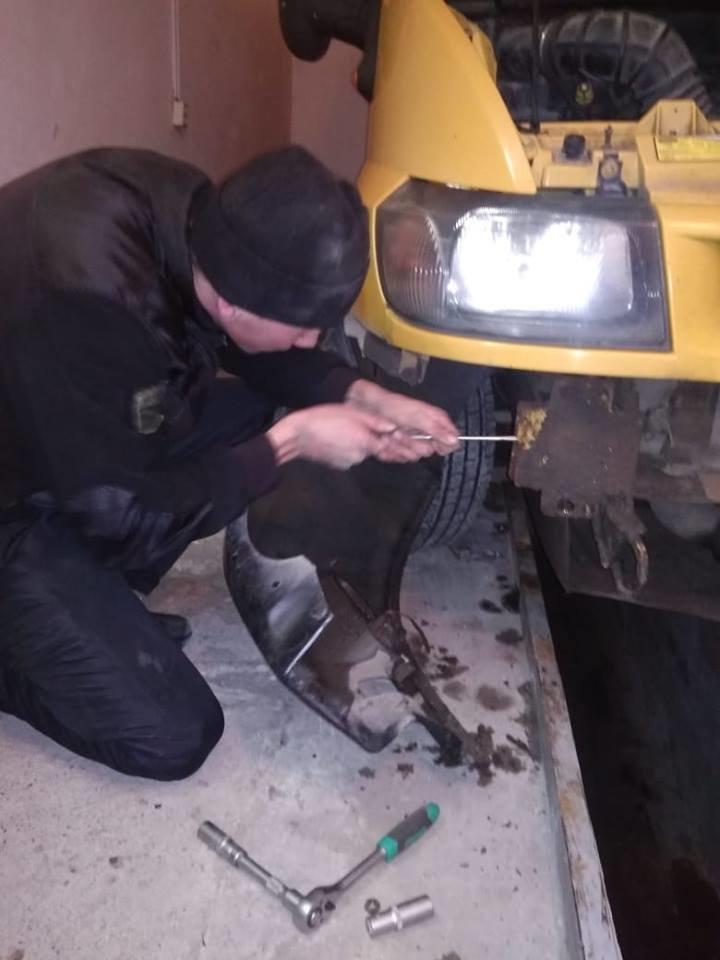 """На КПП """"Малий Березний"""" в авто прикордонники виявили два сховки, у одному - контрабанду (ФОТО), фото-3"""