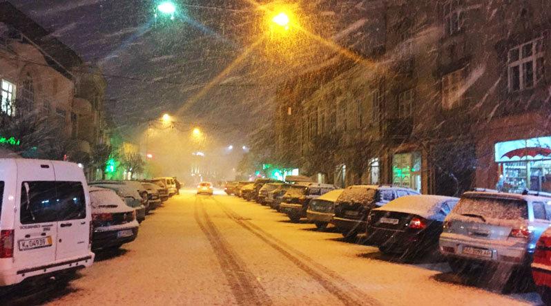 В Ужгород знов повернулась сніжна зима (ФОТО), фото-3