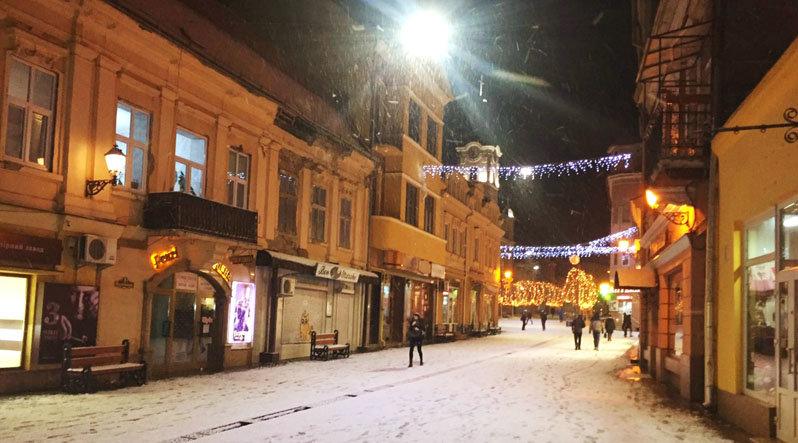 В Ужгород знов повернулась сніжна зима (ФОТО), фото-2