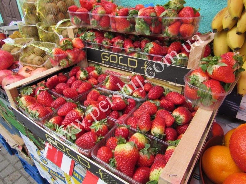 У мережі розповіли скільки коштує перша на закарпатському ринку полуниця з-за кордону (ФОТО) , фото-1