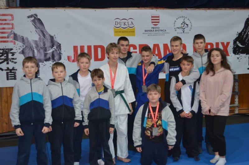 Юні закарпатці стали срібними призерами на міжнародному турнірі з дзюдо в Словаччині (ФОТО), фото-1