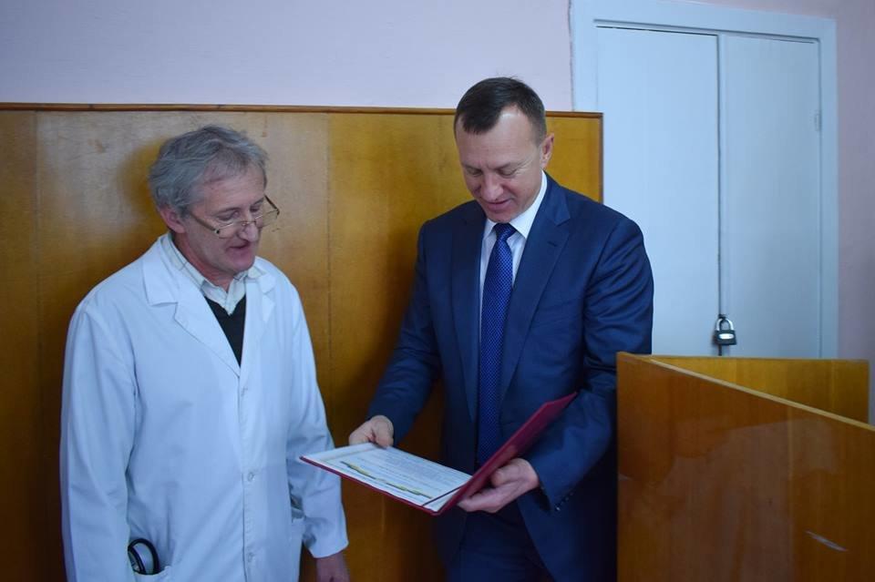 Мер Ужгорода оглянув хід капітального ремонту міської лікарні (ФОТО), фото-5