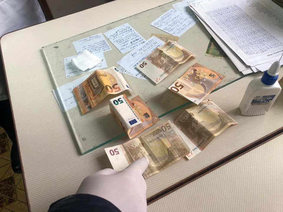 50 євро за добу лікування: Офіційні подробиці арешту лікаря, який вимагав хабар за лікування важкохворої жінки (ФОТО), фото-2