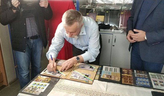 На Закарпатті представили поштову марку із зображенням видатного митця (ВІДЕО, ФОТО), фото-3