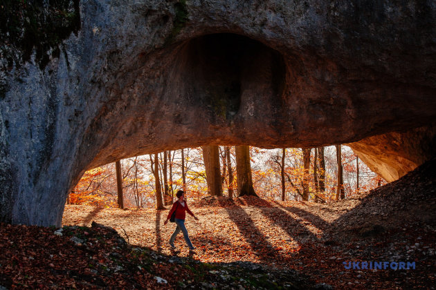 На Закарпатті стартує сезон походів до унікального порталу у часи динозаврів (ФОТО), фото-2