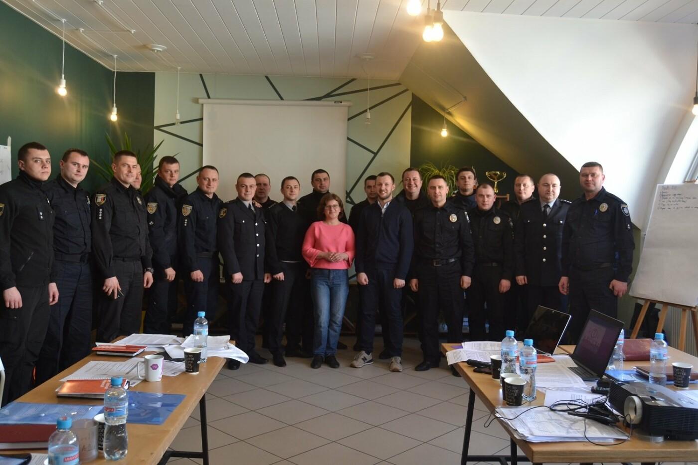 В Ужгороді правоохоронці пройшли навчання щодо особливостей виборчого законодавства (ФОТО), фото-5