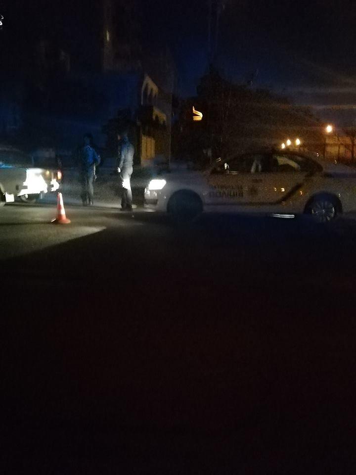 ДТП в Ужгороді: на Грушевського авто збило пішохода (ФОТО), фото-2