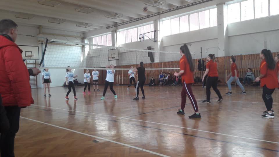 В Ужгороді пройшов фінал турніру з волейболу серед дівчат (ФОТО), фото-1