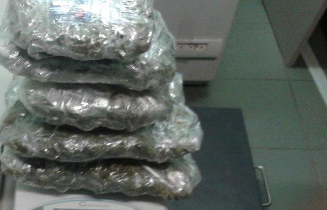 Українцю вдалось пронести через закарпатський КПП більше кілограма марихуани (ФОТО), фото-2
