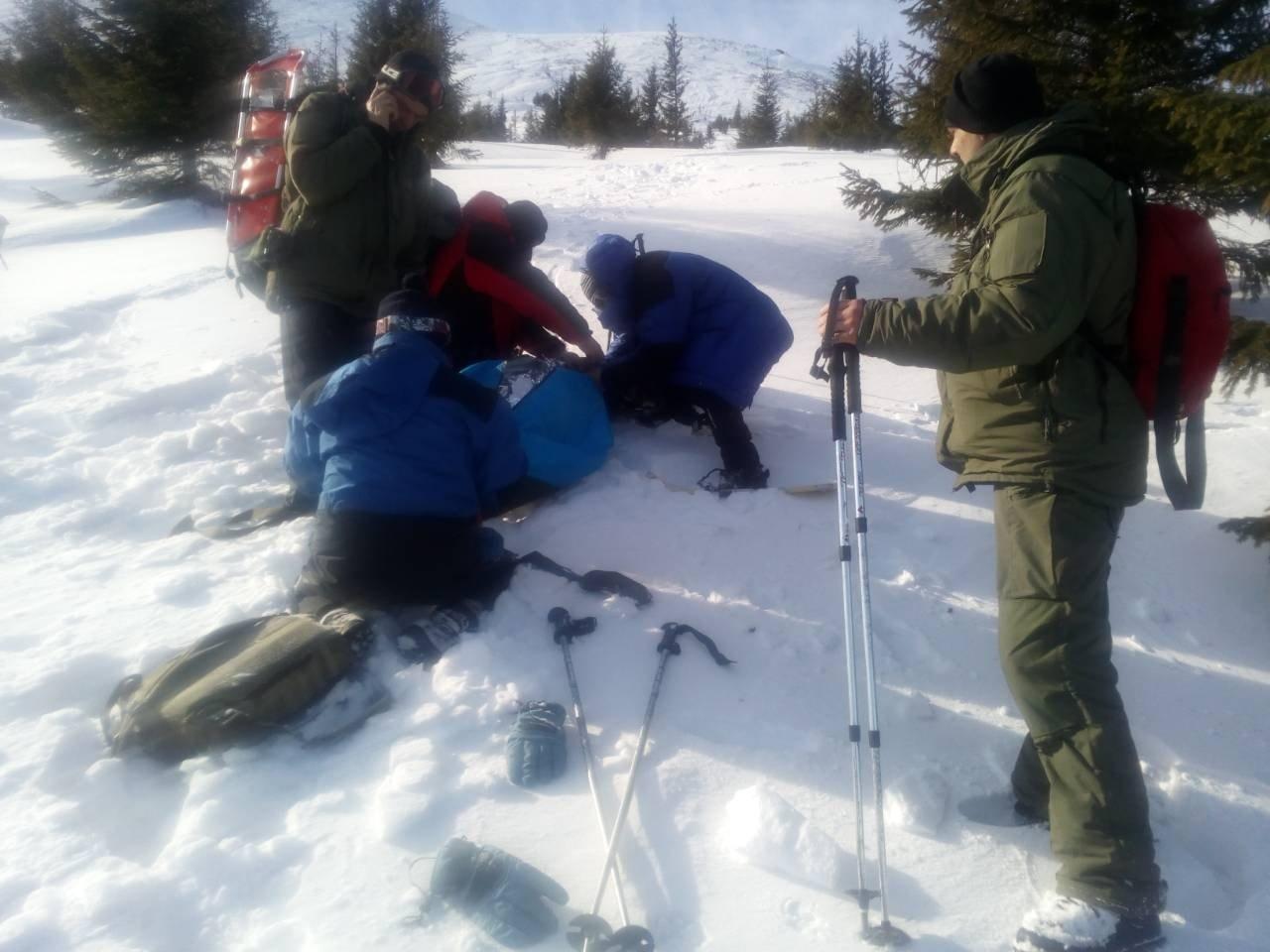 Рятувальники оприлюднили фото з учорашнього порятунку заблукалих у Карпатах одеситів (ФОТО), фото-4