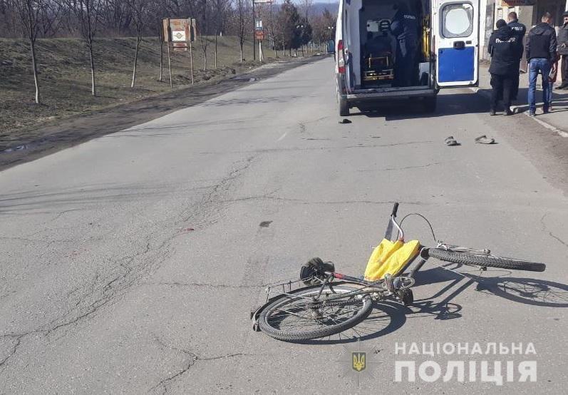 Трагічна ДТП на Закарпатті: 25-річний водій не впорався з керуванням і на смерть збив велосипедиста (ФОТО), фото-2