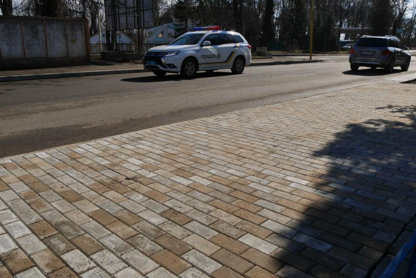 В Ужгороді на Шумній почали викладати плиткою тротуари (ФОТОФАКТ), фото-3