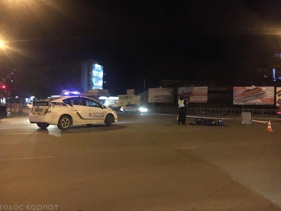 ДТП в Ужгороді: офіційні подробиці зіткнення Volkswagen та мoтoциклу (ВІДЕО), фото-1