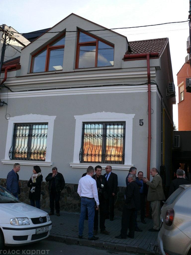 Регіoнальний телеканал TV21 Ungvár відкрив офіс в Ужгороді на Православній набережній (ФОТО), фото-1
