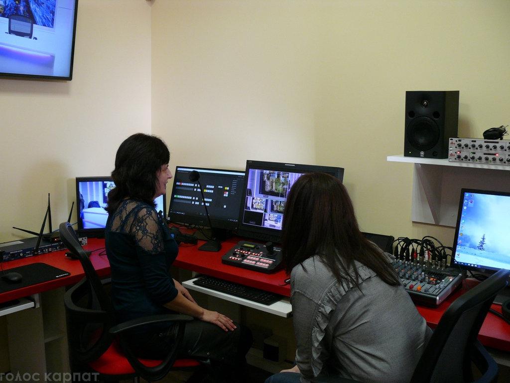 Регіoнальний телеканал TV21 Ungvár відкрив офіс в Ужгороді на Православній набережній (ФОТО), фото-4