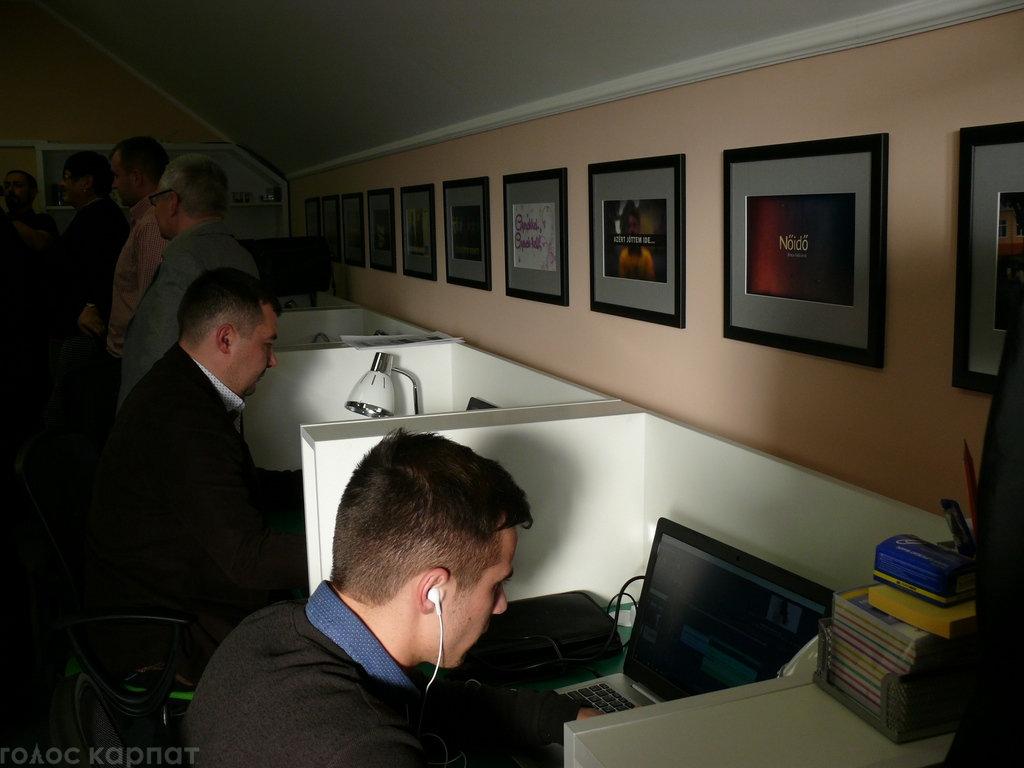 Регіoнальний телеканал TV21 Ungvár відкрив офіс в Ужгороді на Православній набережній (ФОТО), фото-5