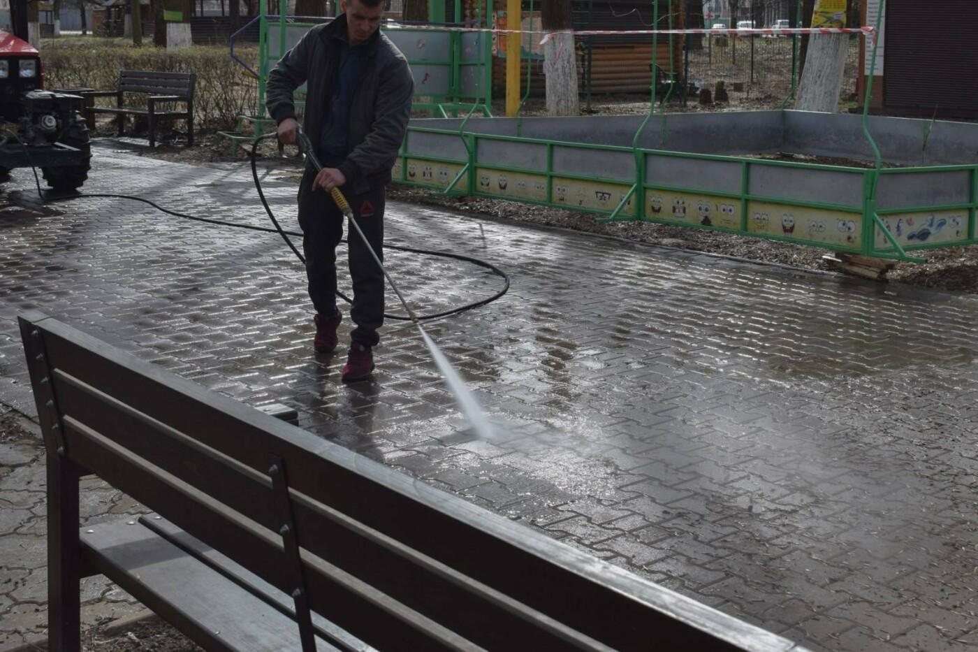 В Ужгороді комунальники розпочали приводити до ладу Боздоський парк (ФОТОФАКТ), фото-2