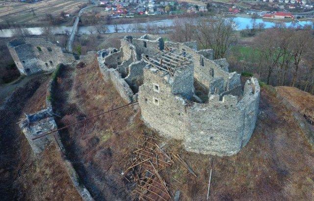 У мережі показали Невицький замок без даху на донжоні з висоти пташиного польоту (ВІДЕО), фото-3
