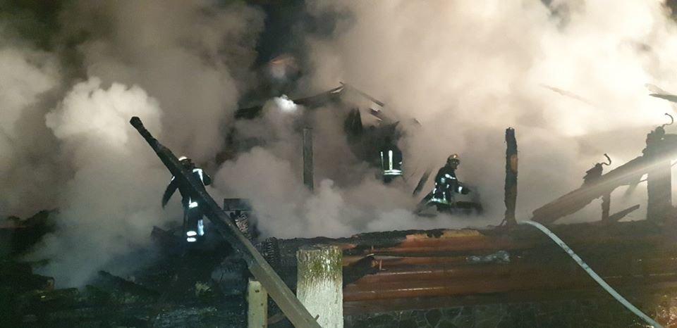 Вогнеборці показали наслідки пожежі у ресторані на території одного із санаторіїв Закарпаття (ФОТО), фото-1