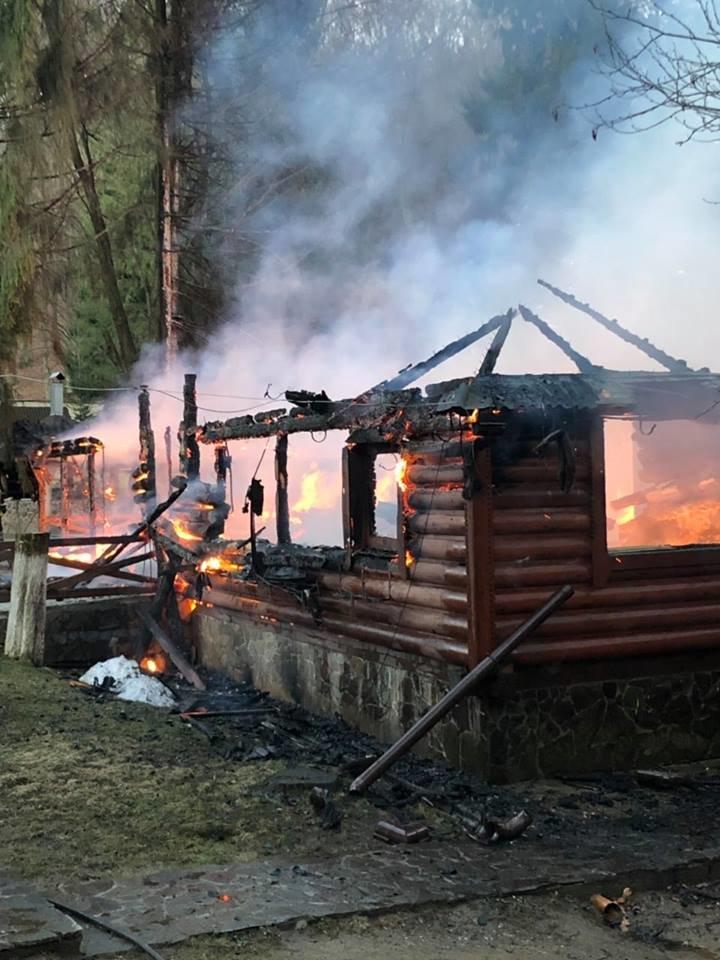 Вогнеборці показали наслідки пожежі у ресторані на території одного із санаторіїв Закарпаття (ФОТО), фото-6