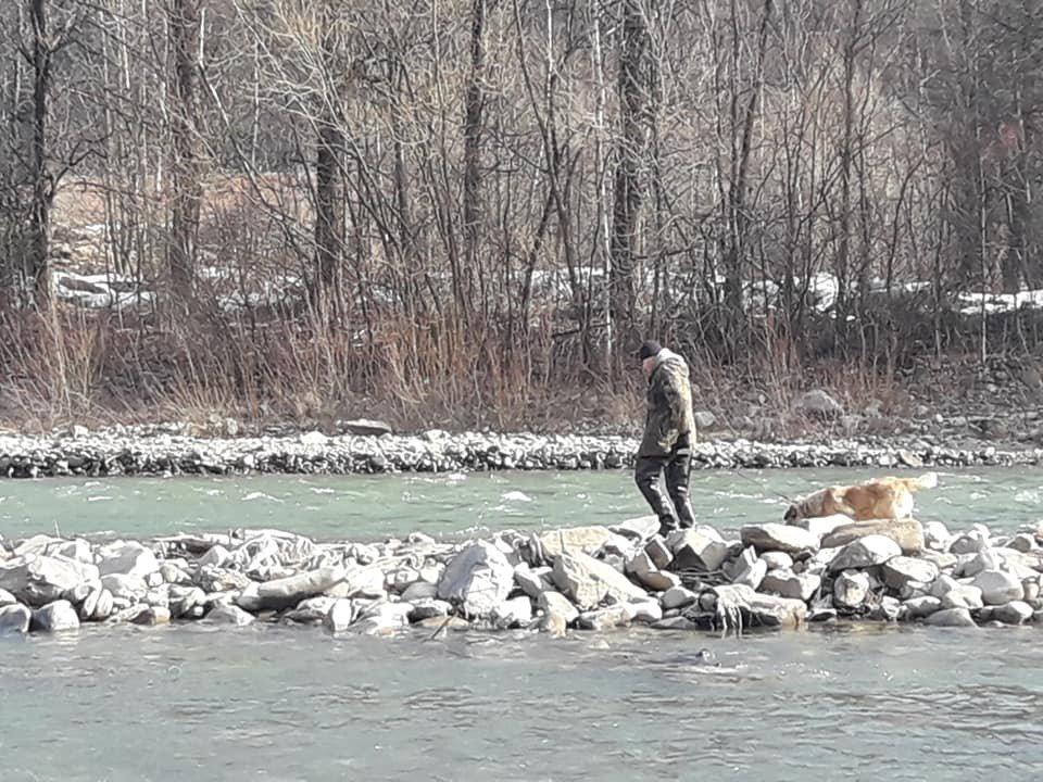 Герой дня: закарпатець врятував собаку, який 2 дні не міг вибратись з річки (ВІДЕО, ФОТО), фото-2