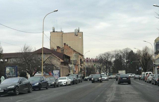 Зміни у планах: в Ужгороді на Петефі готуються до візиту Президента (ВІДЕО), фото-4