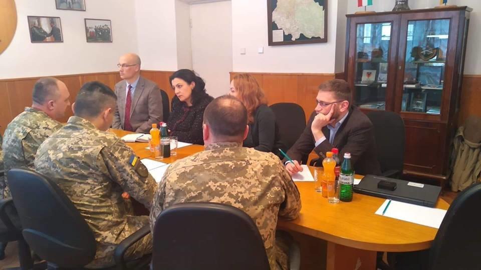 Під час візиту Іванни Климпуш-Цинцадзе підняли питання відкриття центру гірсько-піхотної підготовки на Закарпатті (ФОТО), фото-1