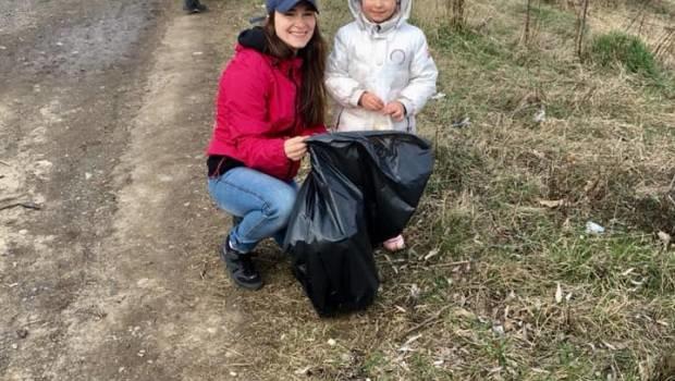Молоді ужгородці приєдналися до всесвітнього екологічного флешмобу Trashtag Challenge (ФОТО), фото-2