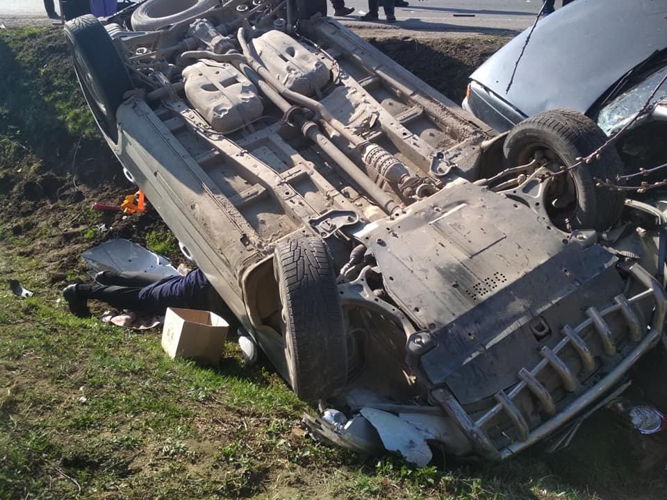 Моторошна аварія під Мукачевом: автівки злетіли в кювет, у важкому стані двоє постраждалих (ФОТО, ВІДЕО), фото-5