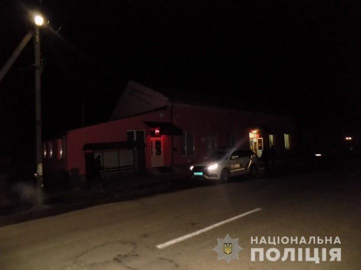 На Закарпатті молодики скоїли розбійний напад на цілодобовий магазин (ФОТО), фото-4