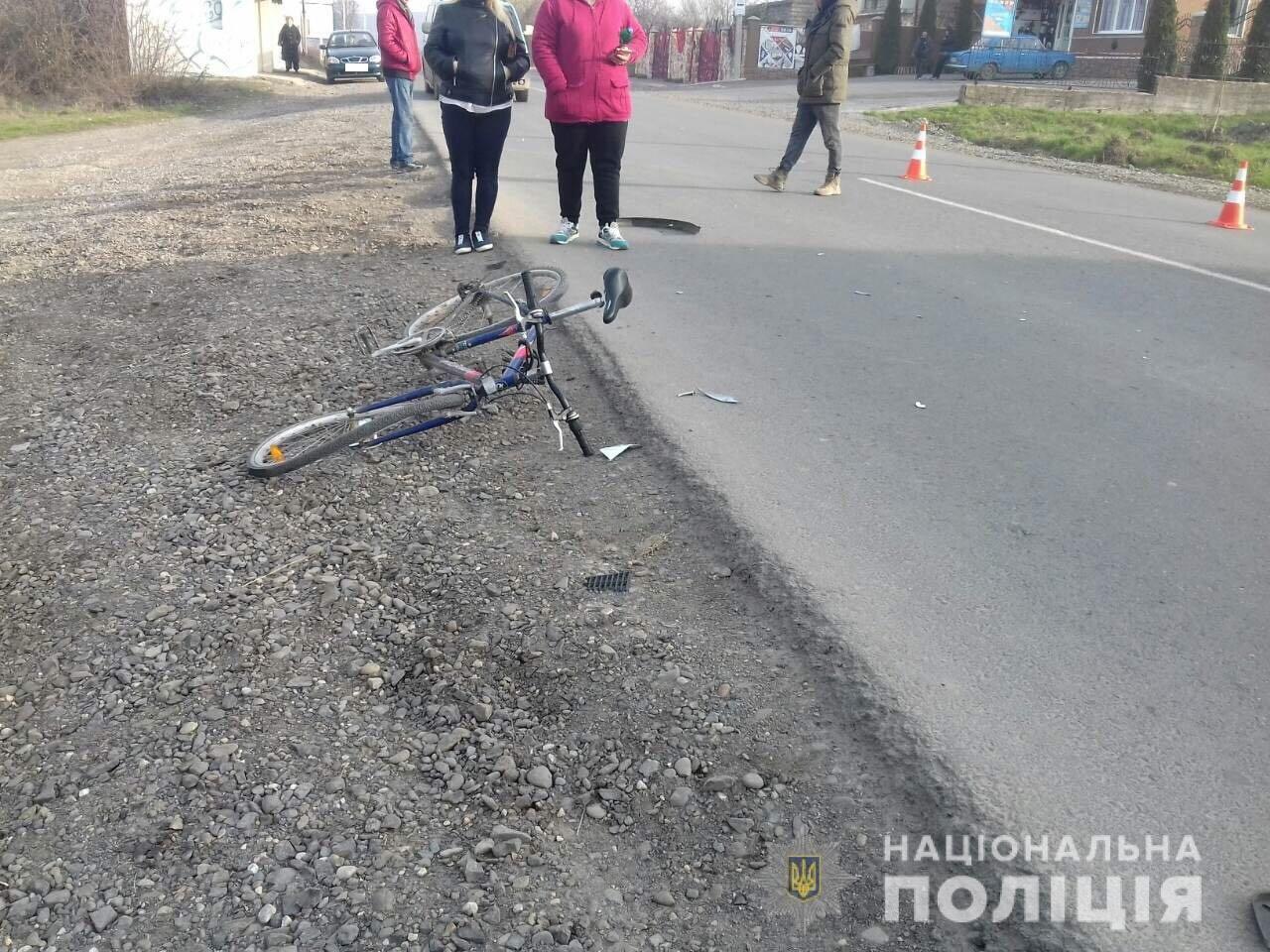 ДТП на Закарпатті: мотоцикл збив 15-річного велосипедиста. Юнак у лікарні (ФОТО), фото-2