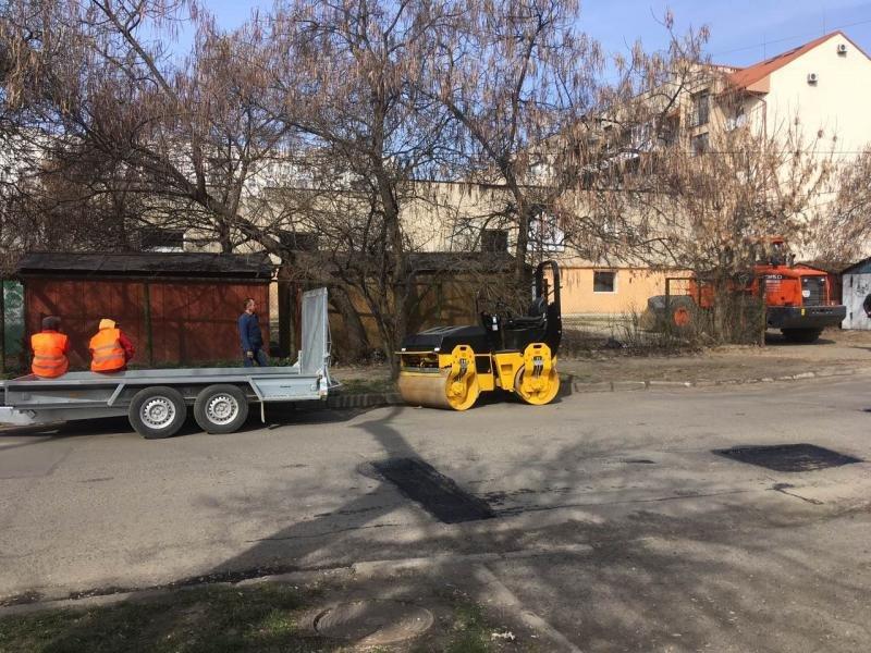 В Ужгороді розпочали ямковий ремонт доріг (ФОТО, ВІДЕО), фото-2