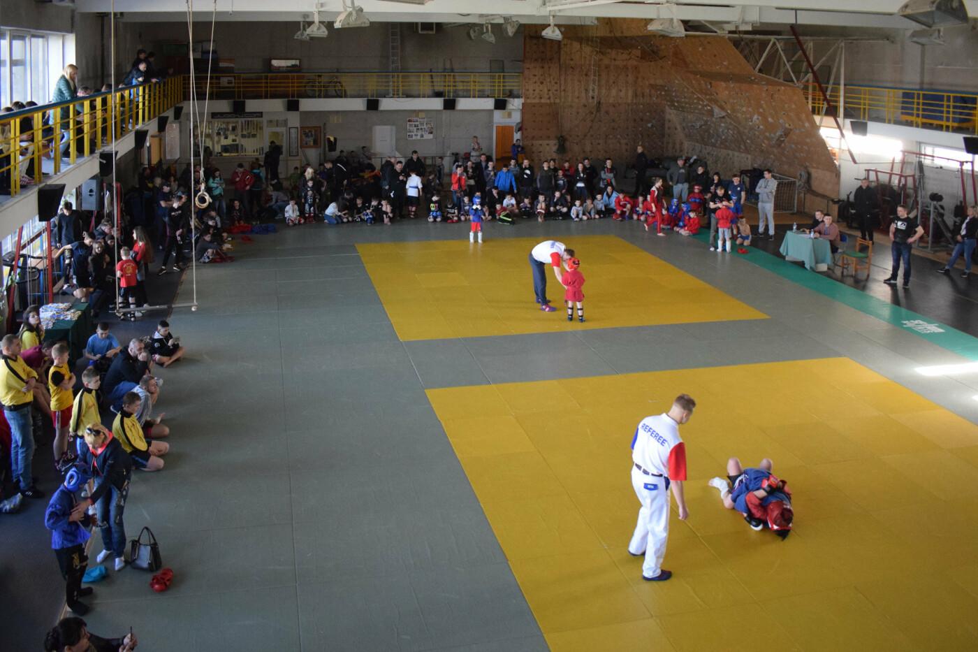 В Ужгороді відбувся відкритий чемпіонат міста з бойового самбо (ФОТО), фото-1